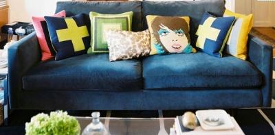 sofa-pillows-blue-sofa-via-lonny