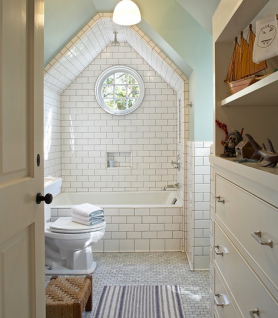White tiled eclectic bathroom